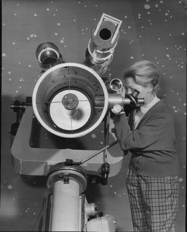 Newton 310/1500 v kupole hvezdárne (1958)